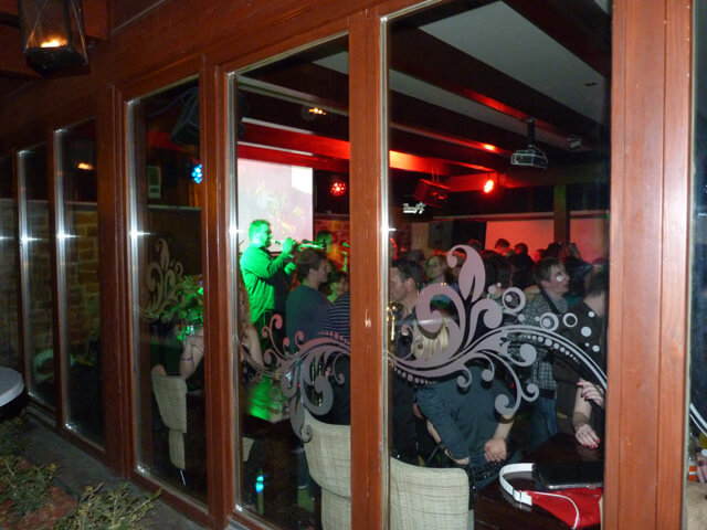 Galerija slika iz Barfly Caffe Cluba